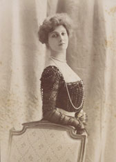 Photograph of Henriette Henriot, by C.H. Reutlinger
