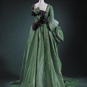 Evening dress with glove