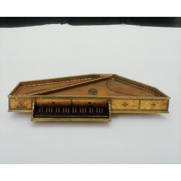 Spinet - The Queen Elizabeth Virginal