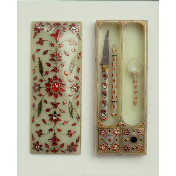 Pen box and utensils