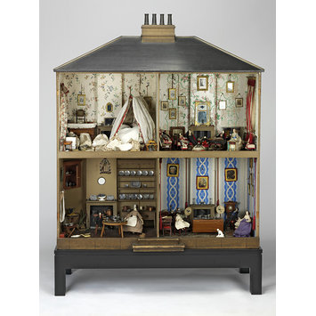 Dolls' house - Mrs Neave's dolls' house