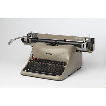 Typewriter - Olivetti Lexicon 80
