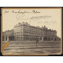 Buckingham Palace (Photograph)