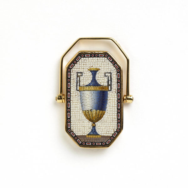 Micromosaic mourning ring, c.1800, The Rosalinde and Arthur Gilbert Collection on loan to the Victoria and Albert Museum, London