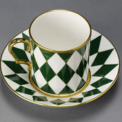 Coffee can and saucer