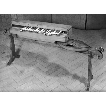 Keyed monochord
