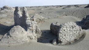Ruins of large building inside Endere fort, Victoria Swift, 2008. Photo 1187/29223, &#169; International Dunhuang Project