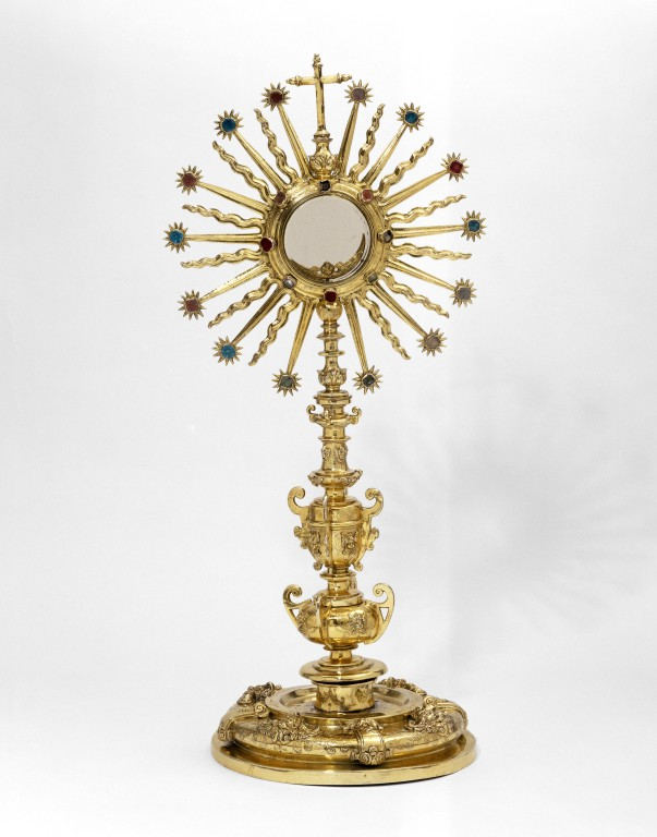 monstrance v a search the collections
