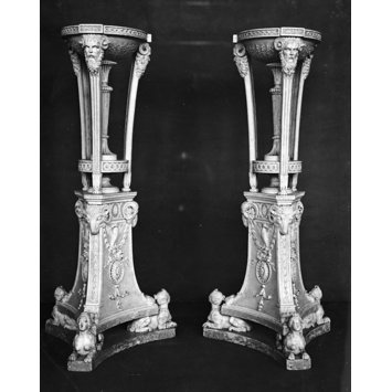 Candlestand - Williams-Wynn Candlestand