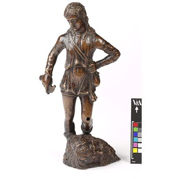 Statuette - David with the head of Goliath