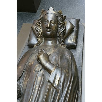 Tomb effigy - Queen Eleanor of Castile