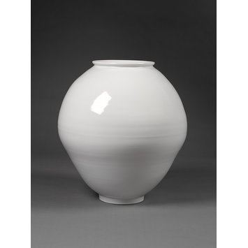 Jar - White porcelain jar